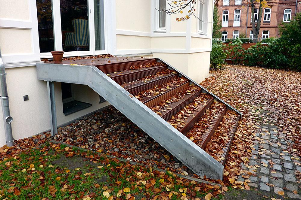 MUlltonnenbox Aus Holz Und Edelstahl ~ Treppe Aus Stahl Holz Und Edelstahl Sie Unterstreicht Das Offene